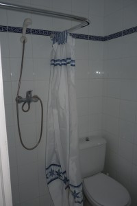 13 badkamer beneden (2)